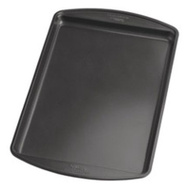 Wilton 2105-6062 Medium Cookie Pan