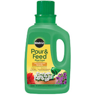 Scotts Miracle Gro 3006002 Pour And Feed Liquid Plant Food, 32 Ounce