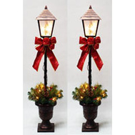 Santas Forest 27209 Pre-Lit Lamp Post 2Pk