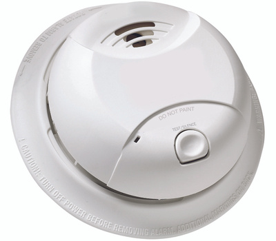 First Alert 0827B Sealed Ionization Battery Smoke Alarm With 10 Year Lithium Powercell