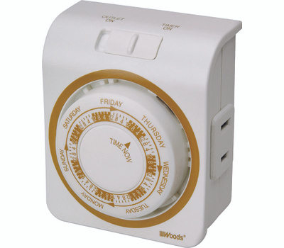 Coleman Cable 50003 Woods Indoor 7 Day Mechanical Vacation Security Timer